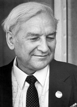 Колосов Горислав Валентинович - теоретик журналистики, доктор филологических наук (1972), профессор.
