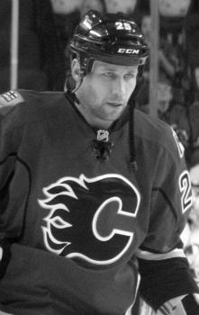 Бежен, Стив (14 июня 1978) - бывший профессиональный канадский хоккеист.