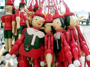 723538_red_dolls.jpg