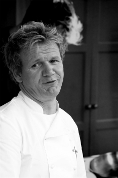 Гордон Джеймс Рамзи (8 ноября 1966) — знаменитый британский шеф-повар.
