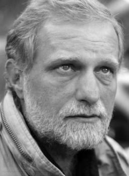 Мирослав Малич (21 августа 1959 г., Москва, СССР (Россия)) - российский актер, режиссер, сценарист.