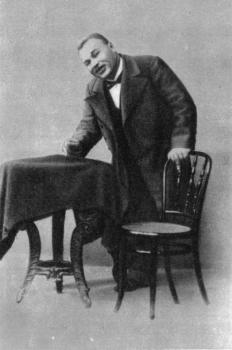 Кондрат (Кондратий) Николаевич Яковлев (1864 — 26 августа 1928) — российский и советский актёр театра и кино.