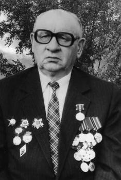 Насыров Гаяс Закирович (14 октября 1924) - Депутат Верховного Совета СССР VI созыва.