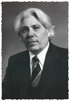 Наза́р Наджми́ (5 февраля 1918 — 6 сентября 1999) — мастер слова, башкирский и татарский поэт, публицист, драматург, мемуарист.