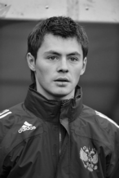 Дания́р Билялетди́нов (тат. Данияр Биләлетдинев, Diniər Bilaletdinev; 27 февраля 1985, Москва, СССР) — российский футболист.