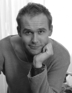 Макси́м Ви́кторович Аве́рин - российский актёр театра, кино и телевидения, режиссёр, телеведущий. Заслуженный артист РФ (2014).