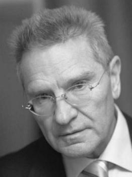 Дави́д Фёдорович Тухма́нов (род. 20 июля 1940, Москва) — советский и российский композитор, народный артист Российской Федерации
