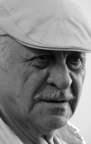 Самвел Владимирович Гаспа́ров (род. 7 июня 1938, Тбилиси) — советский и российский кинорежиссёр