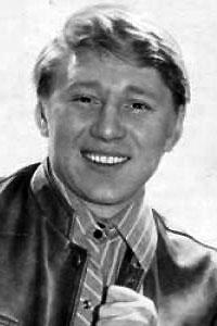 Саве́лий Ви́кторович Кра́маров (13 октября 1934(19341013), Москва — 6 июня 1995, Сан-Франциско) — советский и американский актёр