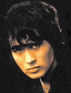 Виктор Цой (1962-1990), известный советский рок-исполнитель 1980-х, лидер группы «Кино».